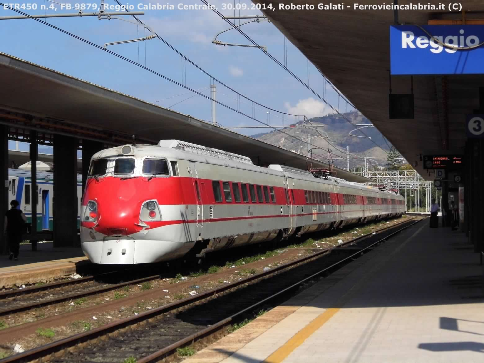 ETR450 04-ReggioCalabriaCentrale-FB 9879-2014-09-30-RobertoGalati 2