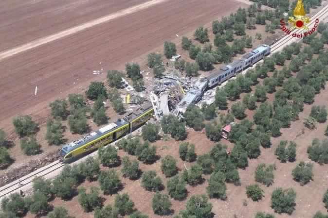 scontro-frontale-treni-puglia-orig-1 main